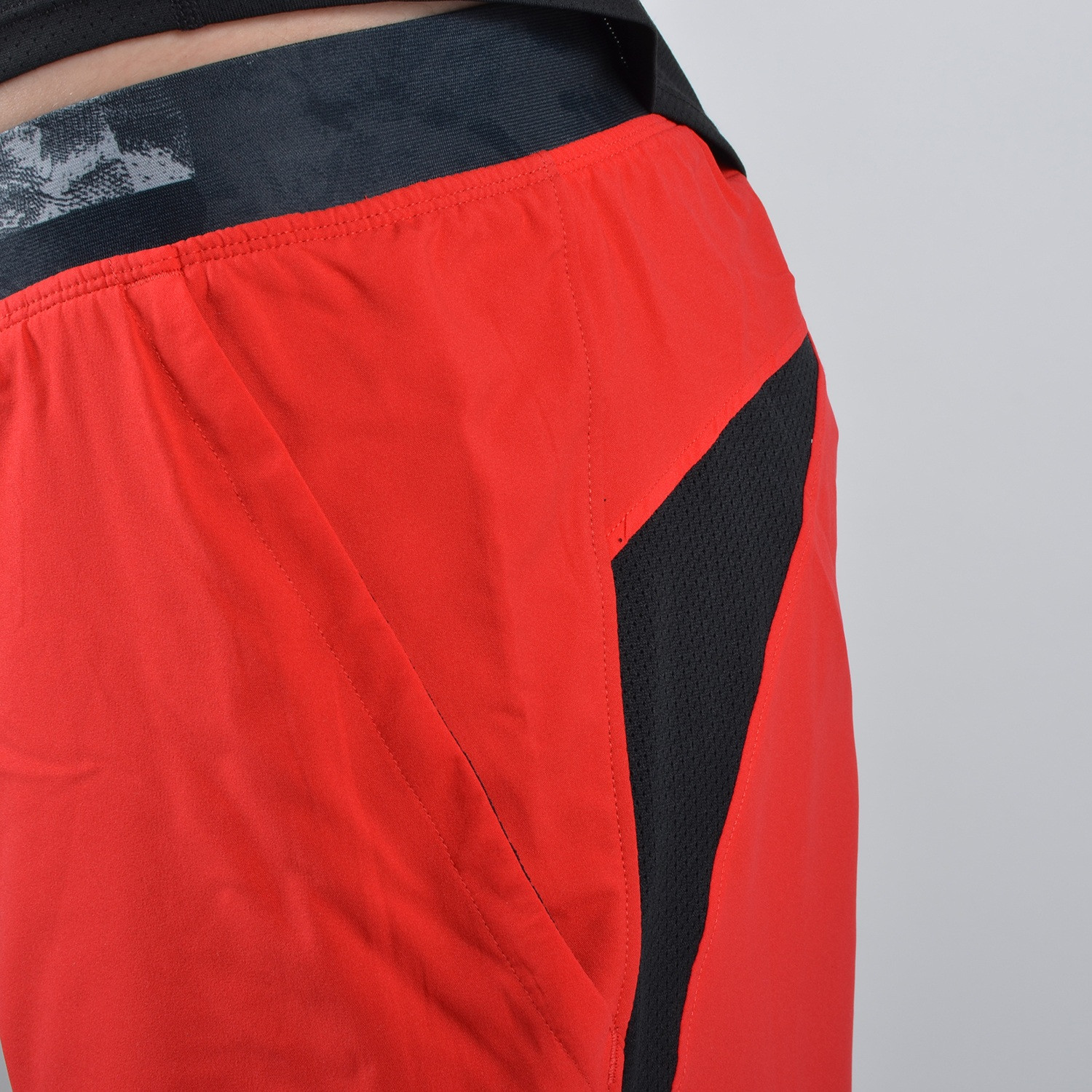 Under Armour LAUNCH SW LONG SHORT | Ανδρικό Σορτς